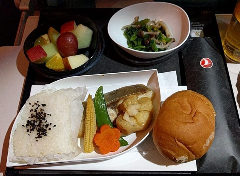in-flight meal breakfast